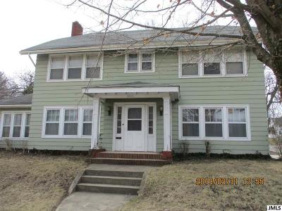 Jackson MI Single Family Home For Sale: $149,000