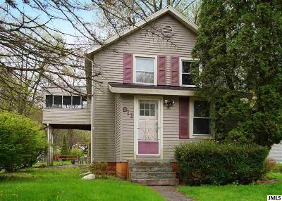 Single Family Home For Sale: 911 Eugene Ave