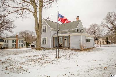 Jackson County Single Family Home Contingent - Financing: 135 S Union St