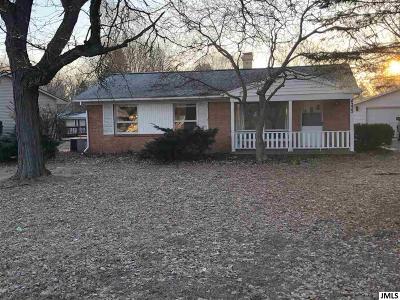 Jackson County Single Family Home For Sale: 4225 Pinehurst Dr