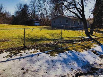 Leslie Single Family Home Contingent - Financing: 425 Bellevue