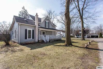 Eaton Rapids Single Family Home Contingent - Financing: 1201 Water St
