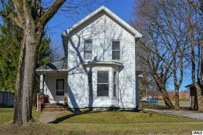 Single Family Home For Sale: 124 N Main St