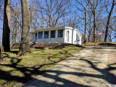 Brooklyn Single Family Home For Sale: 688 Oak Hills Dr