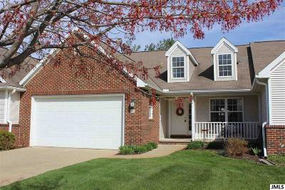 Jackson County Single Family Home For Sale: 860 Chamberlain
