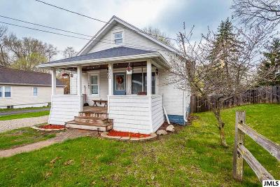 Jackson County Single Family Home Contingent - Financing: 300 Hague Ave