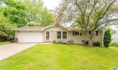 Jackson MI Single Family Home For Sale: $168,000