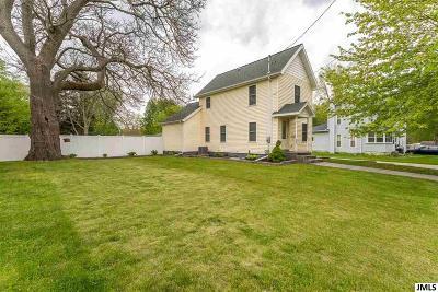 Jackson MI Single Family Home For Sale: $115,000