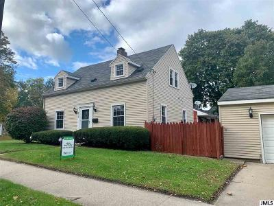 Jackson County Single Family Home For Sale: 812 Oakdale Ave