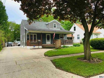 Lenawee County Single Family Home For Sale: 615 Lenawee St