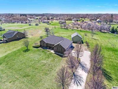 Jackson MI Single Family Home Contingent - Financing: $299,500