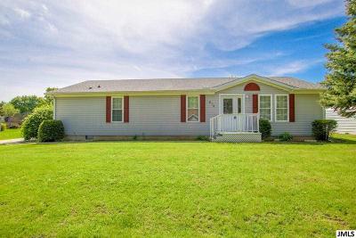 Jackson MI Single Family Home For Sale: $104,900