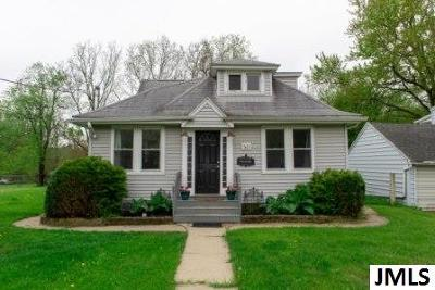 Lansing Single Family Home For Sale: 523 W Howe Ave