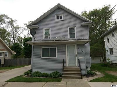 Jackson MI Single Family Home For Sale: $64,900