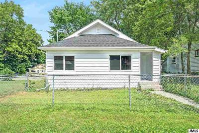 Jackson County Single Family Home For Sale: 307 Hudson