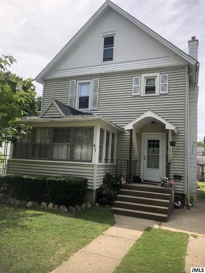 Albion Single Family Home For Sale: 411 Fitch