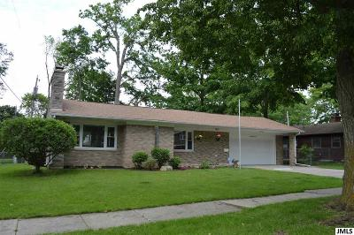 Lansing Single Family Home Contingent: 2810 Woodview Dr