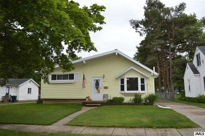 Lansing Single Family Home For Sale: 405 W Hodge