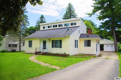 Jackson County Single Family Home For Sale: 505 Heyser St