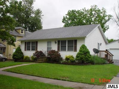 Jackson County Single Family Home For Sale: 623 Webb