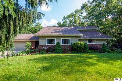 Brooklyn Single Family Home For Sale: 813 Bellflower