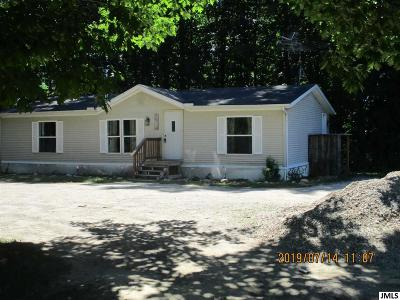 Manitou Beach Single Family Home Contingent - Financing: 8222 Round Lake Hwy