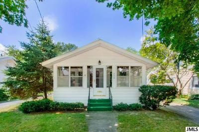 Jackson Single Family Home For Sale: 208 N Durand St