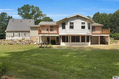 Jackson County Single Family Home For Sale: 1261 Maple Lane