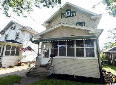 Jackson County Single Family Home For Sale: 244 N Bowen St