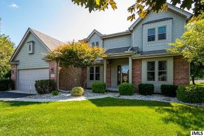 Single Family Home For Sale: 5081 Highlands Ct