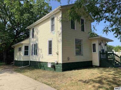 Jackson MI Single Family Home For Sale: $74,500