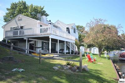 Single Family Home For Sale: 11184 Pinewood Dr