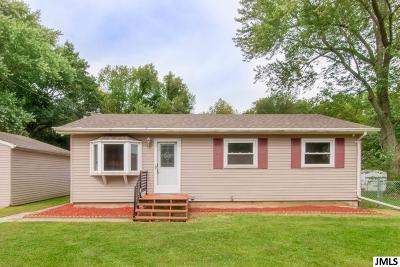 Single Family Home Contingent: 1308 W Southfield Dr