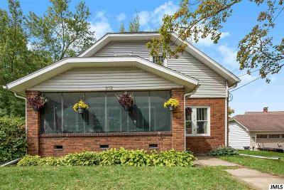 Parma Single Family Home For Sale: 212 S Union St