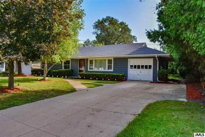 Single Family Home For Sale: 4931 Martha Dr