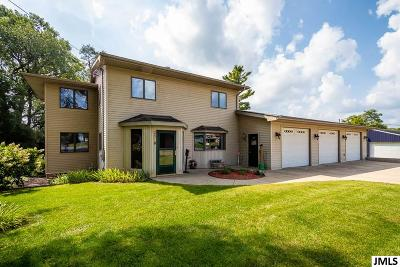 Single Family Home For Sale: 3639 Flansburg