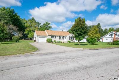 Jackson MI Single Family Home For Sale: $134,900