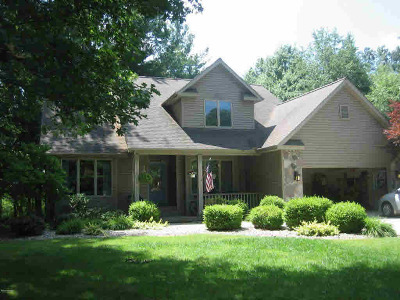 Hillsdale County Single Family Home For Sale: 2359 Woodland Trail