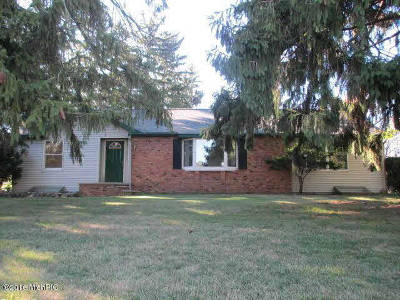 Hillsdale County Single Family Home For Sale: 530 W Chicago St