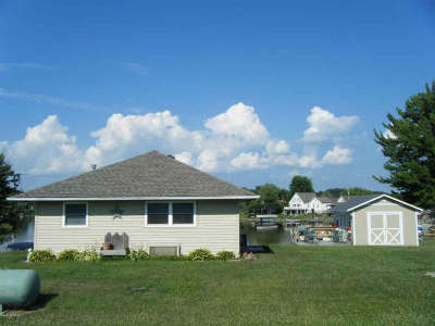 Camden MI Single Family Home For Sale: $128,000
