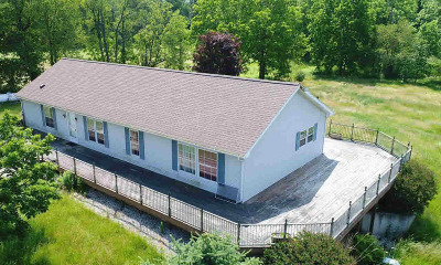 Hillsdale County Single Family Home For Sale: 4691 E Sterling Rd