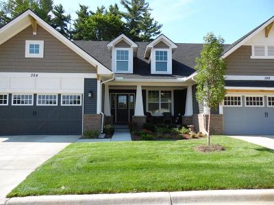 Washtenaw County Condo/Townhouse For Sale: 302 Curtiss Ln