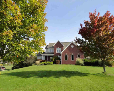 Washtenaw County Single Family Home Contingent - Financing: 7620 Fox Trace