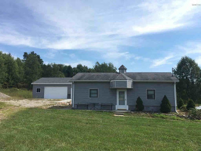 Hillsdale County Single Family Home For Sale: 4190 W Hastings Lake Rd