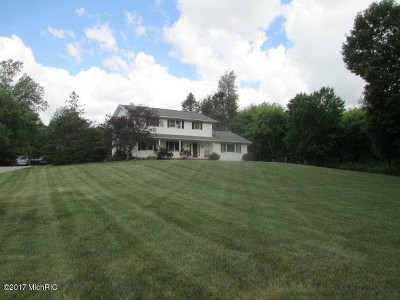 Hillsdale MI Single Family Home For Sale: $209,000
