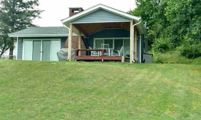 Reading MI Single Family Home For Sale: $197,000