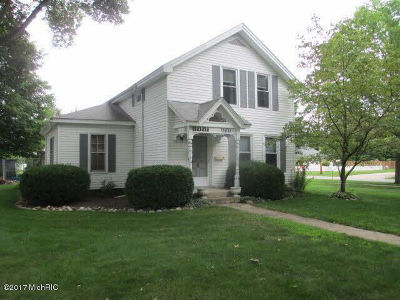 Hillsdale County Single Family Home For Sale: 313 Maumee St