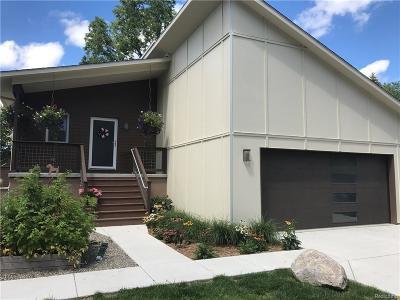 Washtenaw County Single Family Home For Sale: 2502 Emerald Ave