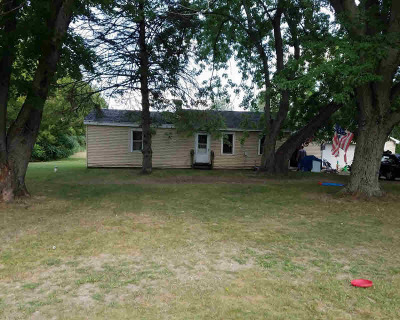Jackson MI Single Family Home For Sale: $160,000