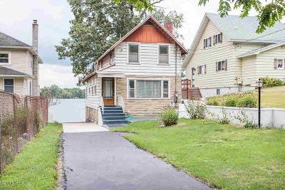 Jackson MI Single Family Home For Sale: $249,000